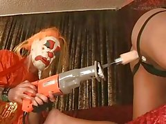 De clown Gay et son engin baiser