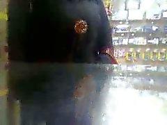 jeune beurette de afficher sa chatte en feu à mee en public