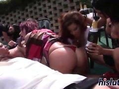 Ravissante boners de plaisir dans dames une orgie