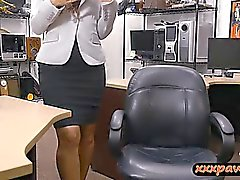 Firm babe ass fulminé par nasty pion mec au pawnshop