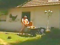 Deutsch Paare Auf Einem Bauern Aussen verdammtes