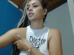 Latina webcam babe on cam - lickmycams