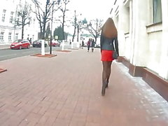 Hot girl in red skirt voyeur (candidcam, nylon, short skirt)