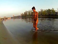 купания голышом