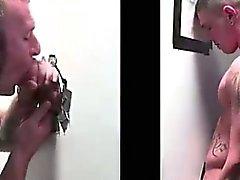 Nascosto tizio gay succhia cazzo dritto a Buco glorioso