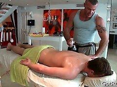 Deep anal pénétrant pour un massage Partie2