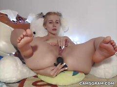 Возбужденная блондинка Camgirl Удивительной Solo Брызги Оргазм