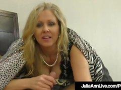 Erstaunliche Milf Julia Ann Jacks einen Schwanz in den Mund und die Hände!