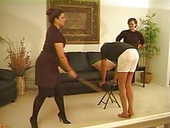Caned door twee Strict dames