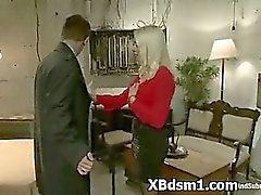 Für BDSM Frau Erotik Schmerzen zuzufügen