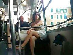 Franska upskirt Bus Fin
