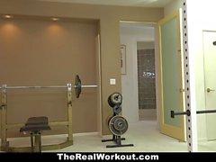 TheRealWorkout - Sıcak Milf meali Fitness Müşteri