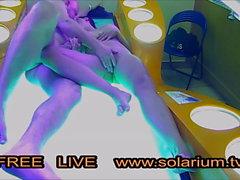 Kamu Solaryum Cam 1'de Çift sikikleri
