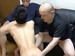 Omosessuale ragazzo asiatica fa schifo a due