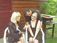 FRENCH GUSS n70 französisch blonde anal Teen Babe mit den Gläsern