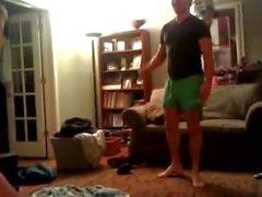 Str8 Guys Sólo Wrestle en ropa interior, One Guy Bolas del estallido de