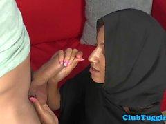 Arab hijabi babe tirando fuerte polla palpitante