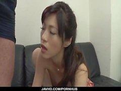 Sara Yurikawa, chica aficionada, se pone desagradable con un dong de grasa