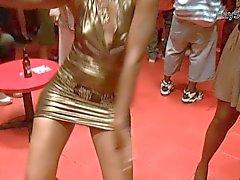 OH LÀ LÀ ! Gold Club la robe d'Upskirt Flash plus - = JRay513 = -