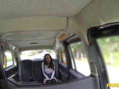 Gefälschte Taxi cabbie genießt seine Fantasie ficken