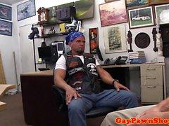 Hétéro biker pawnhop ravagé par le propriétaire