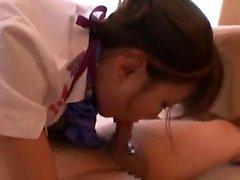 Beignets japonais poilus dans l'action sexuelle hardcore