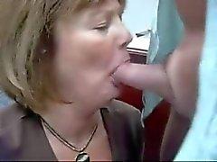 Prática esposa no escritório faz perfeito