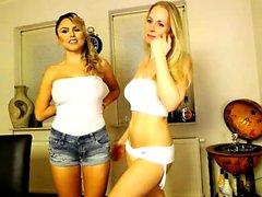 StripCamFun Webcam Amateur MILF Lesbiche Free Blonde Porn