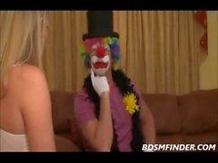 De BDSM Clowning alrededor La Épica Must See