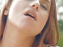 Hunk verzehrt babes cunt mit seinen Lippen und schlong