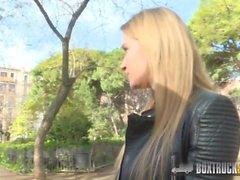 Il bello Angel Piaff gode del Sesso Rebound in pubblico