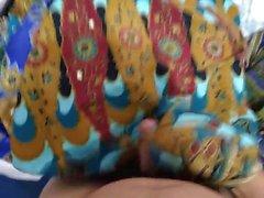 jouir et cum sur sarongs maman