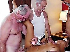 Подросток Никки Kay Gets Gangbanged стариками