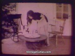Vaimo ja Sisäkkö Lesbosin testata uutta Pinta- ( 1960 vintage )