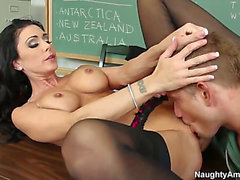 Jessica Jaymes with tiny booty and trimmed fur pie and sexy boy Bill Bailey are in the mood for fucking