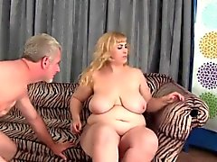 Big Titty plumper Amazon Darjeeling consigue de su asshole perforados