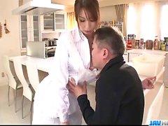 Rien comme une grosse bite pour plaire sucer la bite Araki Hitomi