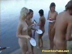 Bunch de Hot Nude Nudist Le Fleuve Et Le plage de latérale