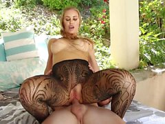 Nicole Aniston gets creampied in her backyard