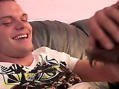 Гомосексуалисты мальчиков в белых носочках бесплатно фильмы сексуальное Их целовать , как