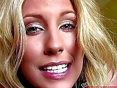 Klara Diana a chupar a habitación del motel