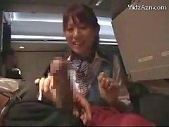 Ön yolcu Jerking Airplane olarak Masturbasyon Blowjob vererek Nasıl izleyerek Stewardes