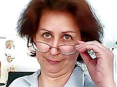 Aged hoofdverpleegkundige krijgt stout in ziekenhuis