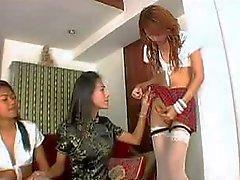 Tranniesgold Schoolgirl Ladyboy Sucking
