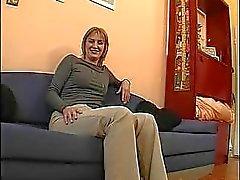 Du MILF blonde en la vidéo chauds