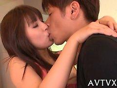 Delizioso giapponesi da marinaio playgirl gode racy del cazzo sexy di