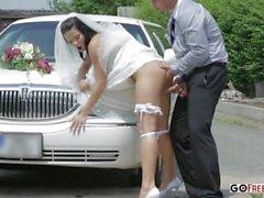 Der Limousinentreiber fickt heiße Frau