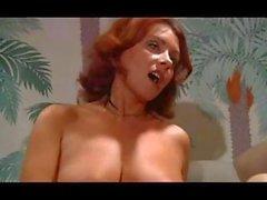 Porn classica francese dagli anni 70 con di suzione vasca cazzo ( l'intero film )