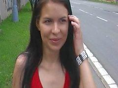 Punainen pukeutuneet tytön puiston 3 osassa