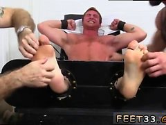 Slapp penis en vuxen gay Porn Connors Maguire Tickled Den nakna